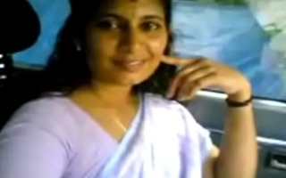 VID-20070525-PV0001-Kerala Kadakavur (IK) Malayalam 38 yrs superannuated married housewife aunty showing her boobs to her illegal lover in car sex porn motion picture