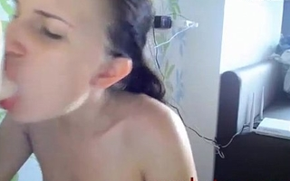 camwhore sucks dildo dick